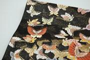 蝶が舞う袋帯