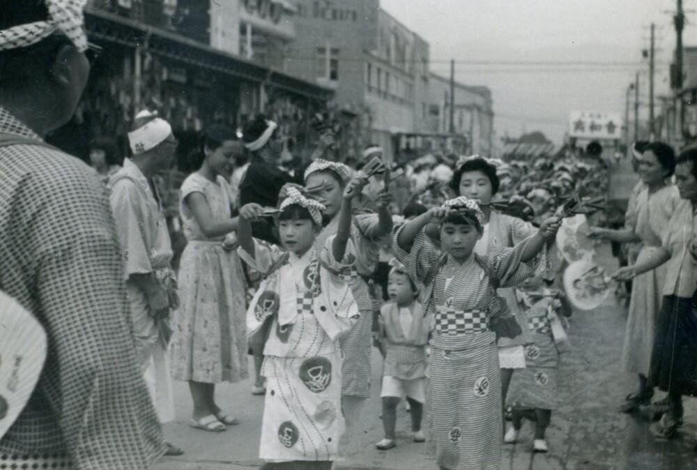昭和のよさこい鳴子踊り
